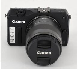 Canon eos M + 18-55 IS STM incl speedlite 90x