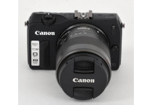 Canon eos M + 18-55 IS STM incl speedlite 90x